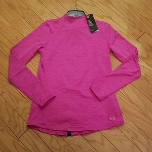 NWT size M Under Armour cold gear long sleeve tee